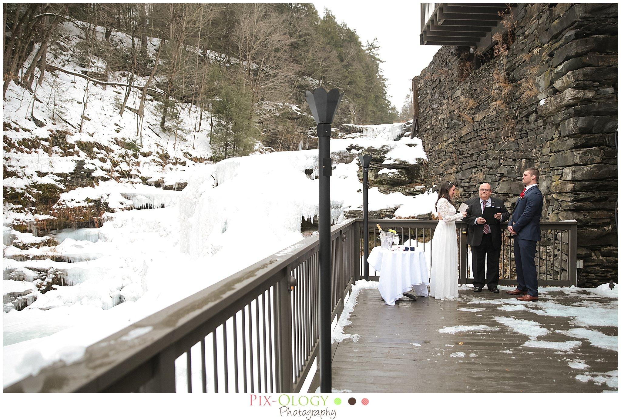 pix-ology photography wedding ledges hotel hawley