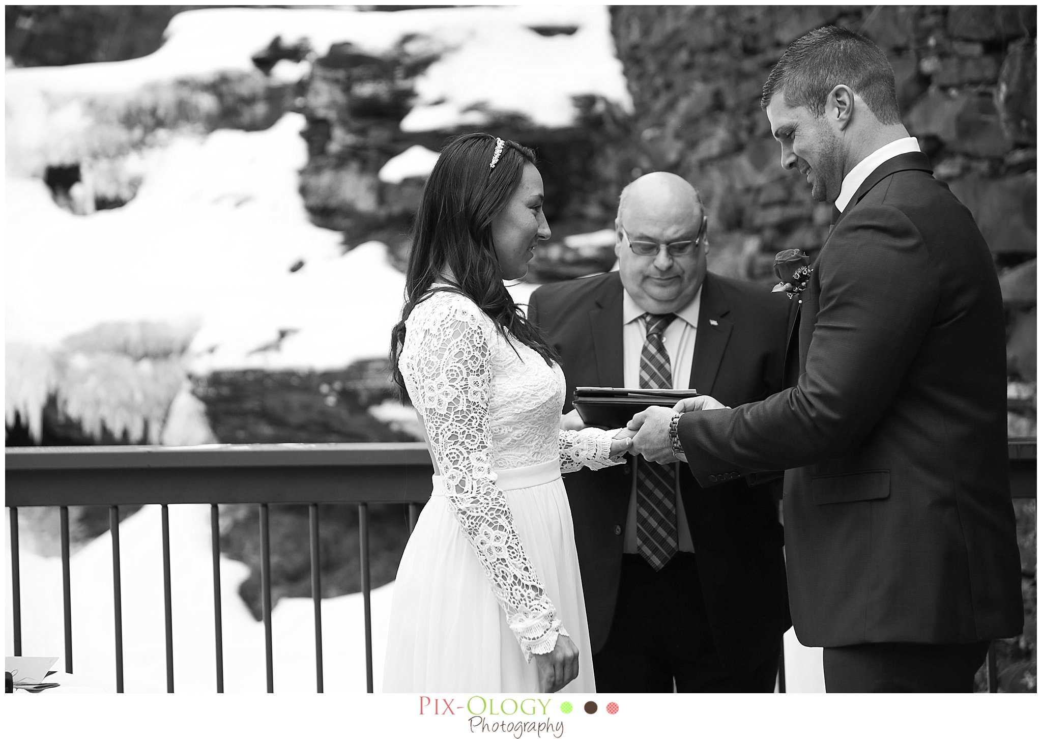 pix-ology photography wedding bride and groom winter wedding ledges hotel