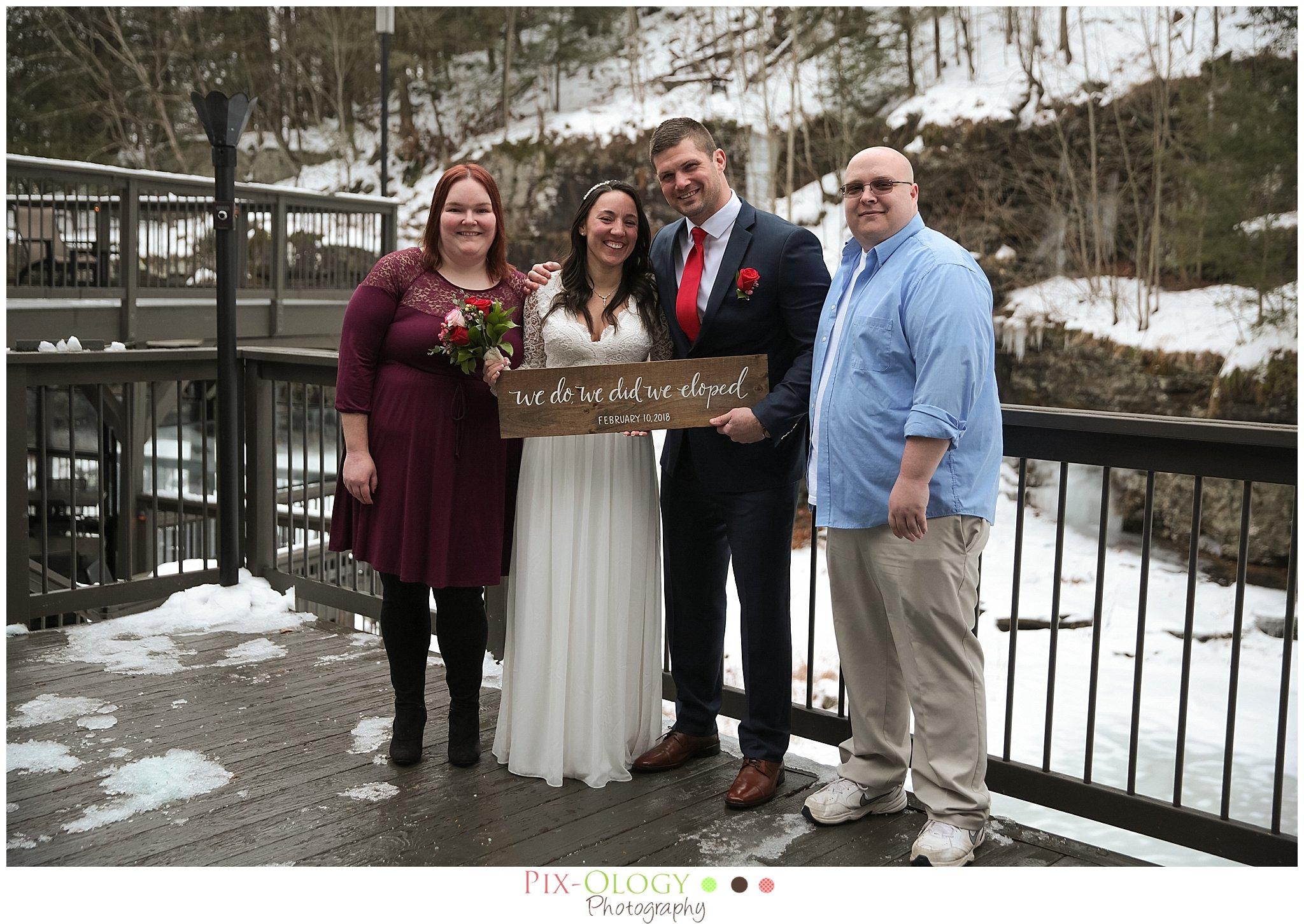 pix-ology-photography-ledges-hotel-wedding
