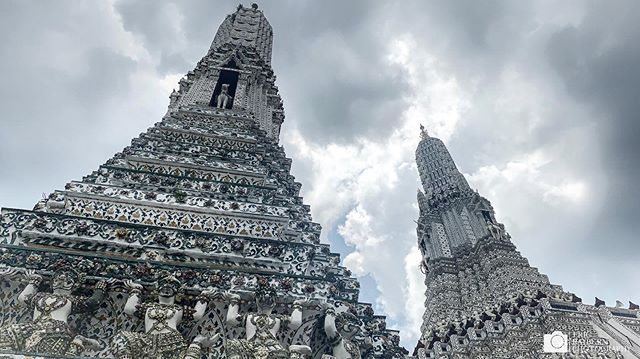 Wat Arun can be moody on its own, be when the clouds are right it can be dramatic as well.  #watarun #thailand #alltheshots . . . #temple #Buddhist #Buddhism #Bangkok #travel #travelphotography #Asia #southeastasia #dramatic #clouds #amazingthailand #thai #thailandinsider #ericrayburnphotography  @natgeotravel @natgeoyourshot @thailandinsider @lonelyplanet