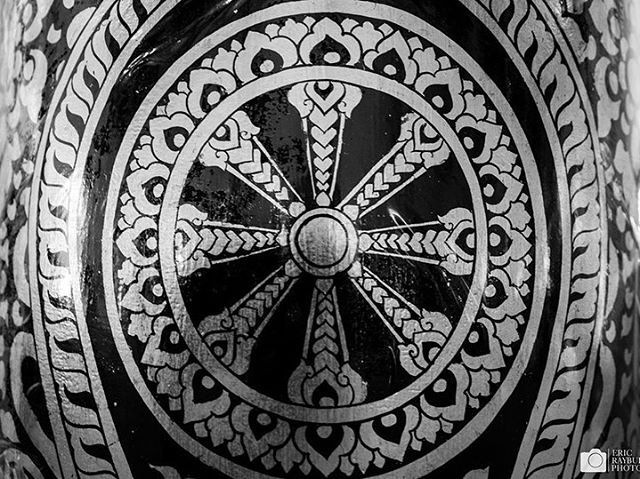 The Wheel is a central motif in both Buddhism and Hinduism. Symbolizing samsara, the seemingly endless cycle of birth, death, and rebirth, it also illustrates the interconnectivity of all life. While normally shown with eight spokes to symbolize the Noble Eightfold Path, different mandalas and depictions are common as variations on a theme. Chiang Mai and Bangkok, Thailand, 2019 #wheel #buddhism #alltheshots . . . #travelphotography #travel #hinduism #religion #blackamdwhitephotography #blackandwhite #samsara #wheeloflife #theravada #thailand #asia #buddha @lonelyplanet @thailandinsider @tricyclemag @lonelyplanetmag