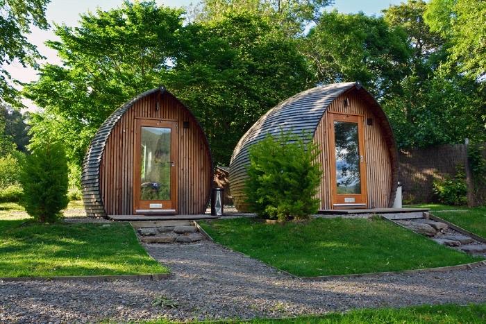 Cabañas cerca del Lago Ness, ideales para visitar en verano. Foto Visit Scotland