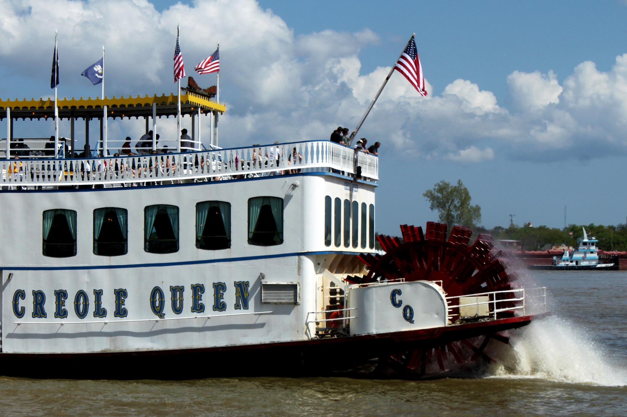 Creole Queen Paddlewheeler credit New Orleans Pass.jpg