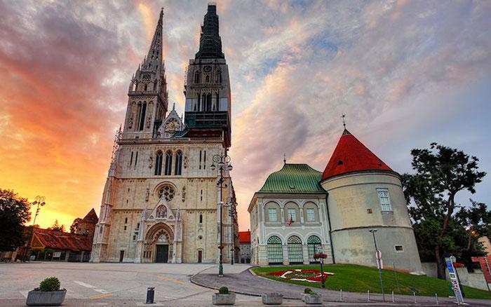 La Catedral de la Asunción de la Virgen María en Zagreb.
