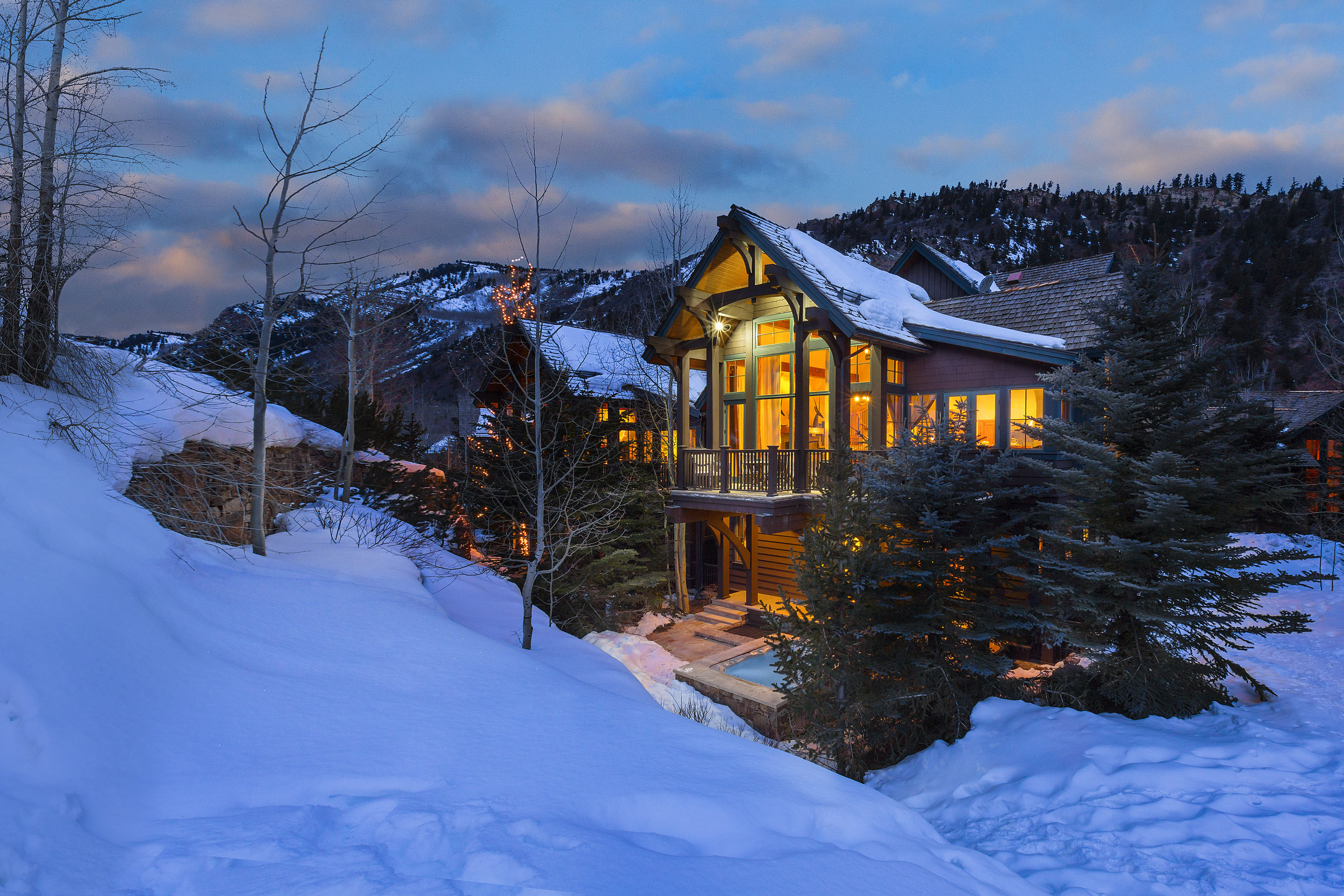 Inspirato_Destination_Aspen_Residence_Steinway.jpg