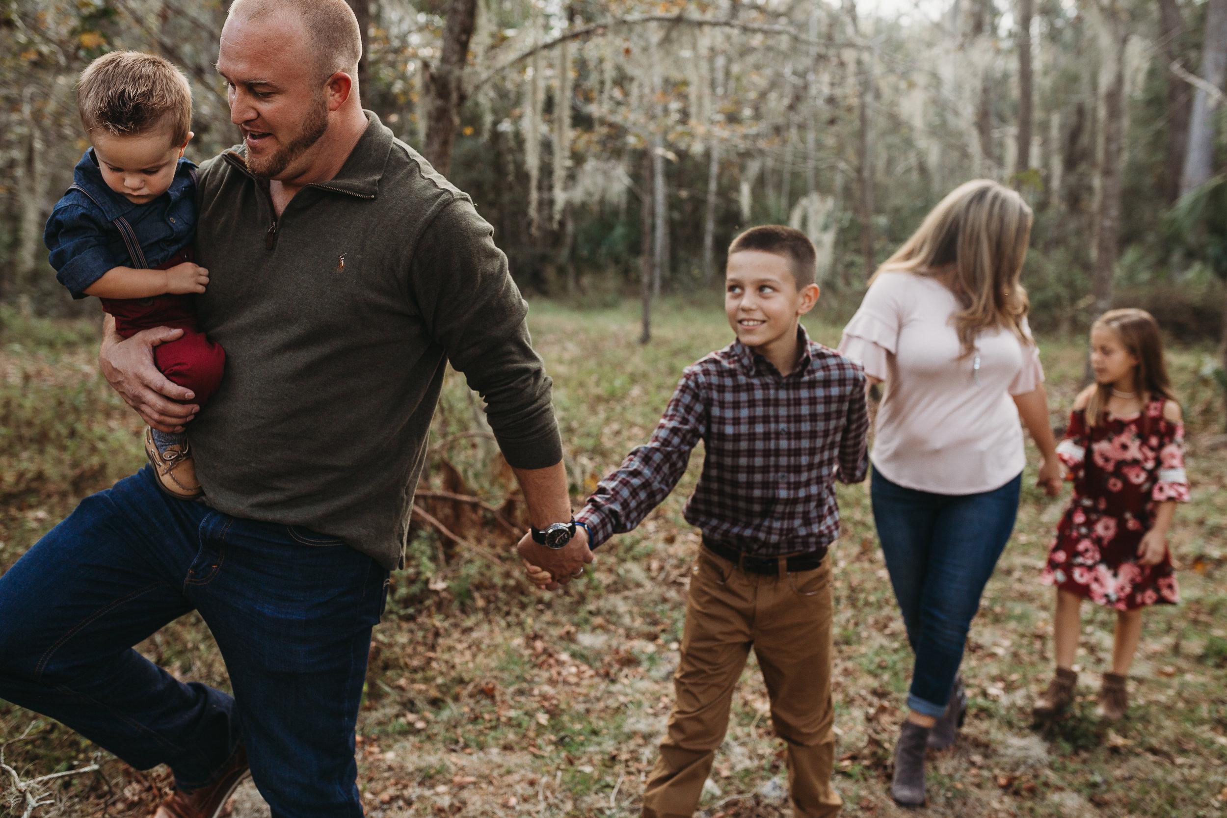 Daytona Beach Family photographer, cute florida family photos and how to dress for christmas photos