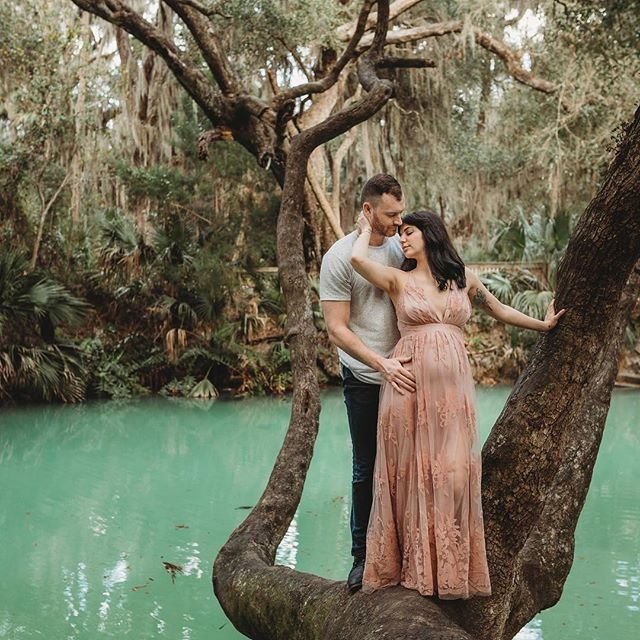 We squeezed in a last minute maternity shoot before going on my own maternity leave 🤰🏼and I'm so glad I did because these two completely ROCKED it! I mean major swoon! Even nature came out to play with this crazy glowing water! 😍 Can't wait to share more from their session!
