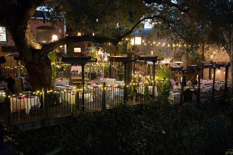 novo-restaurant-lounge-patio-33_v2.jpg