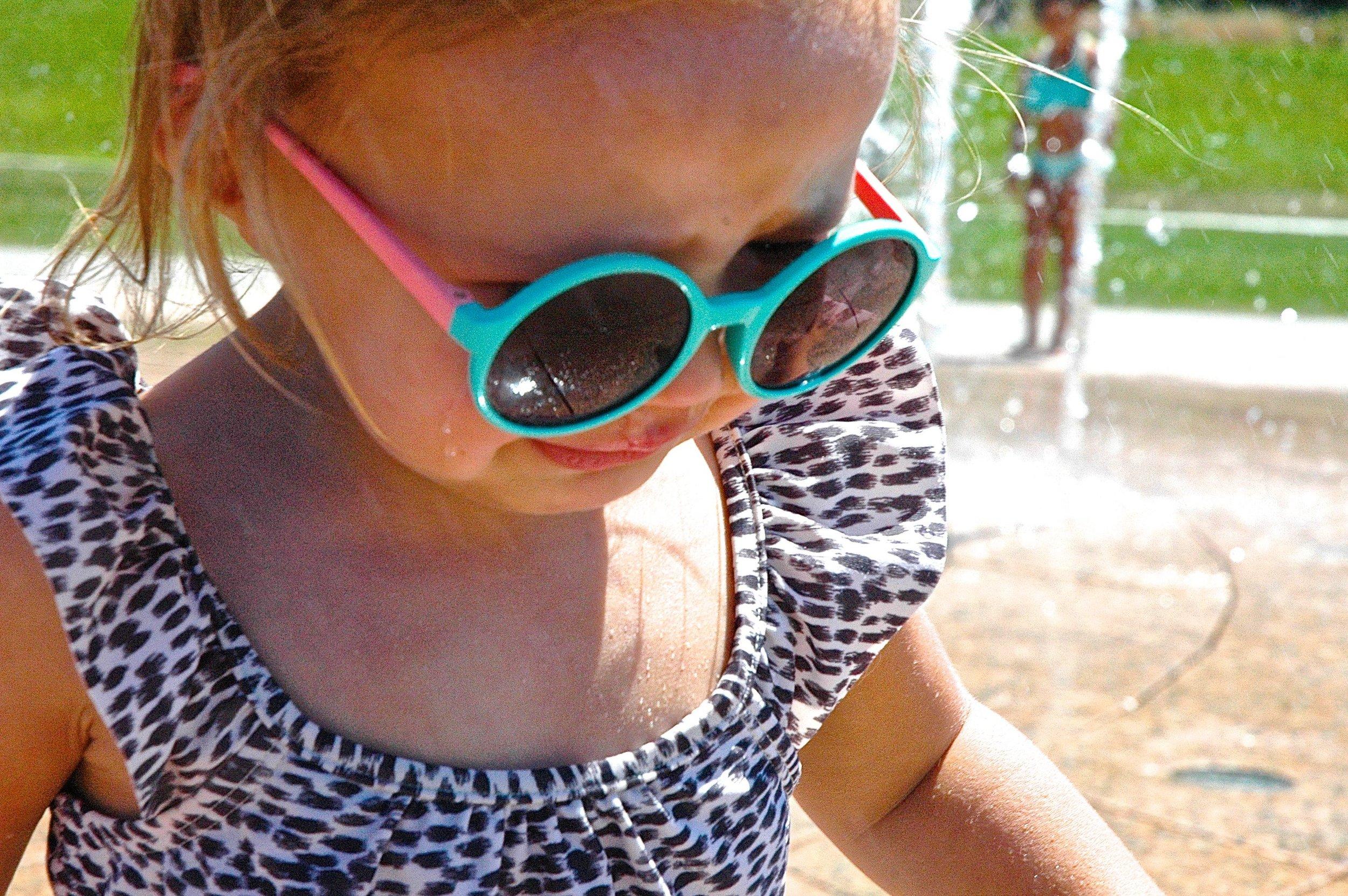 e-sunglasses.jpg