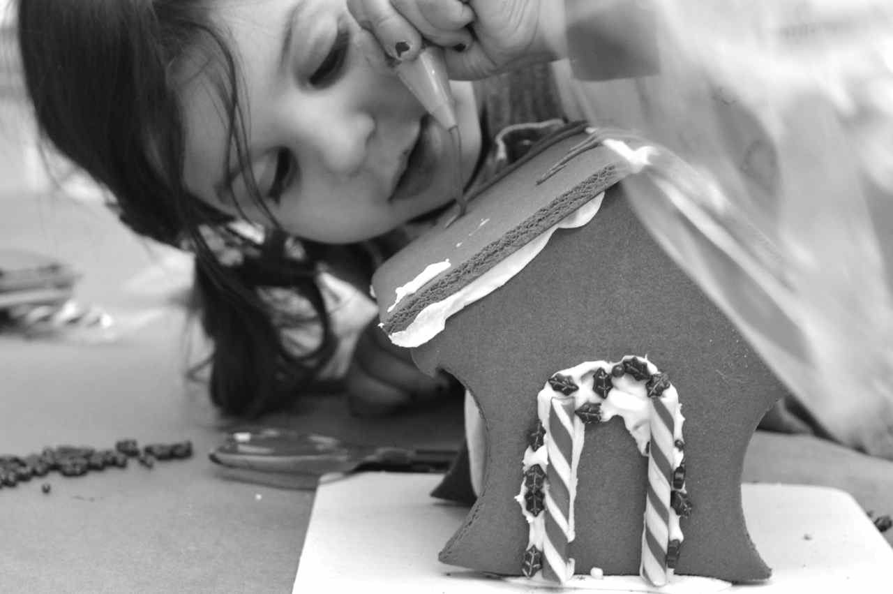 gingerbread-house-7.jpg