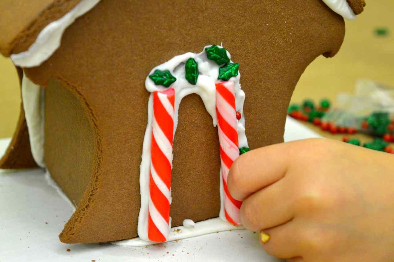 gingerbread-house-8.jpg