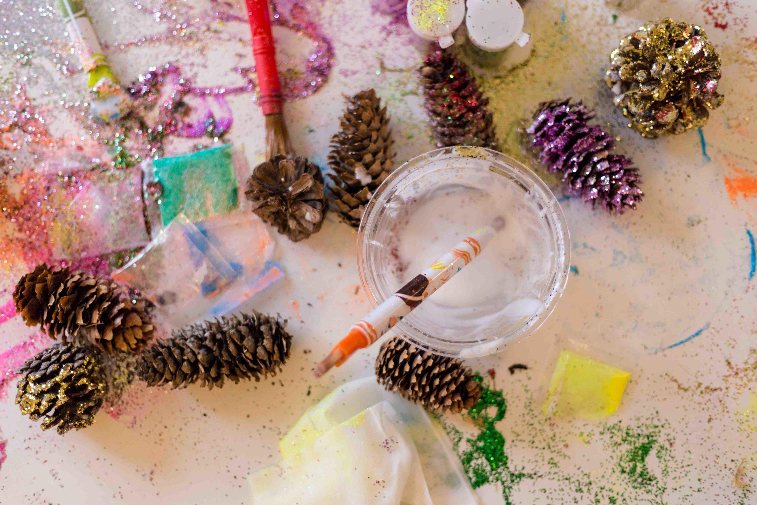 glitter-pinecones-10.jpg