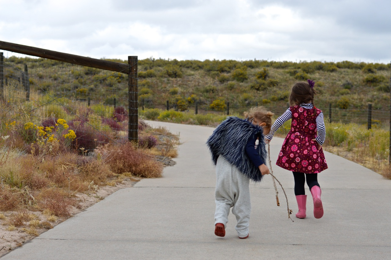Nature-Walk-with-Toddlers-in-Colorado-3.jpg