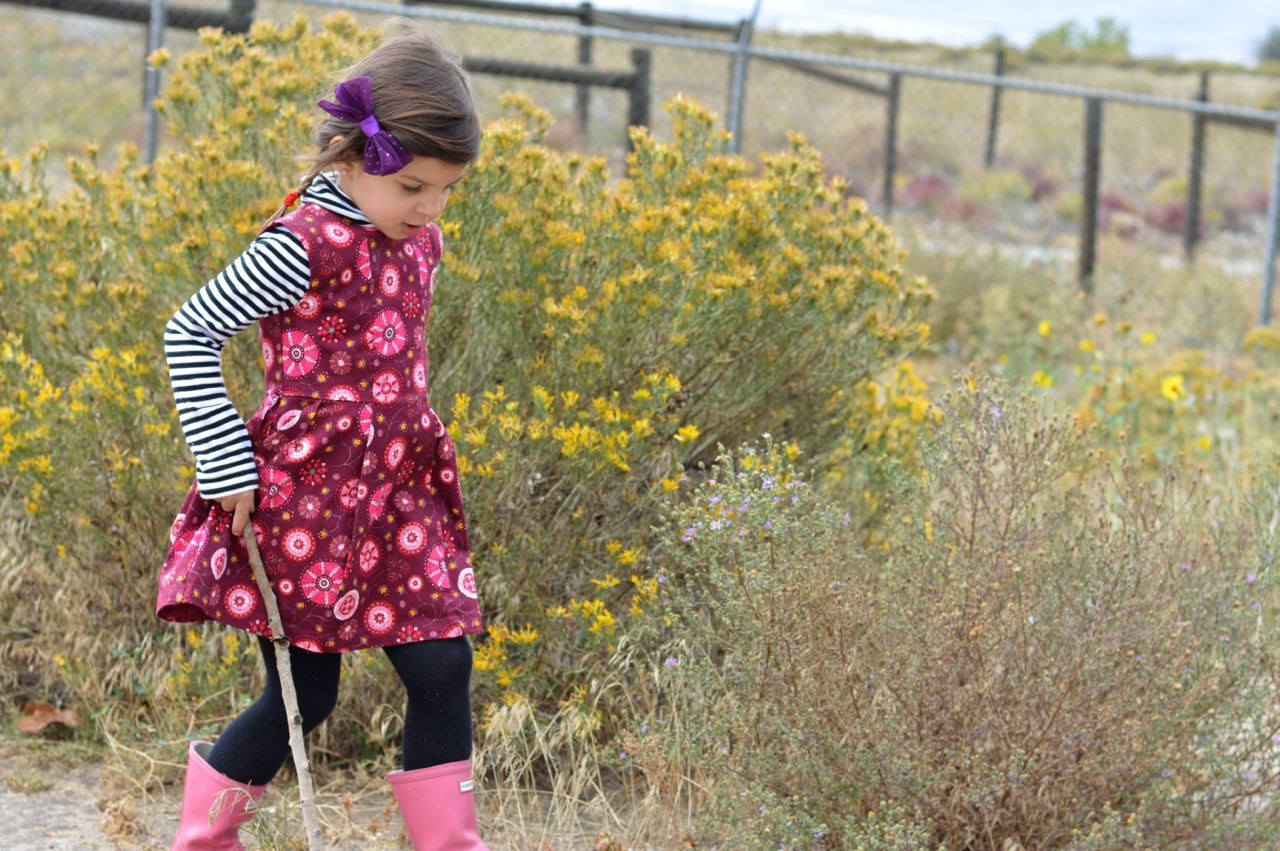 Nature-Walk-with-Toddlers-in-Colorado-8.jpg