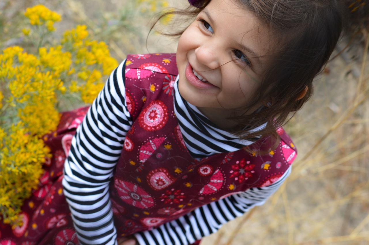 Nature-Walk-with-Toddlers-in-Colorado-10.jpg