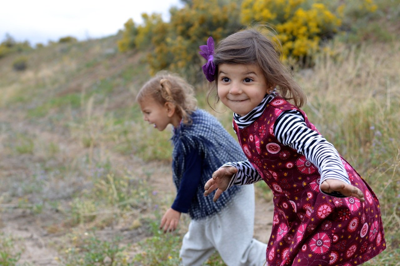 Nature-Walk-with-Toddlers-in-Colorado-27.jpg