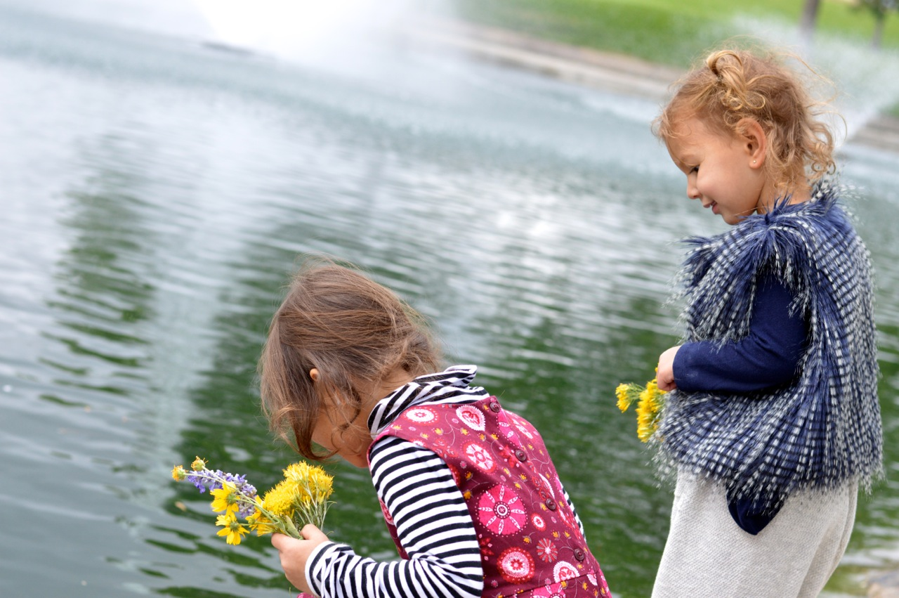 Nature-Walk-with-Toddlers-in-Colorado-72.jpg