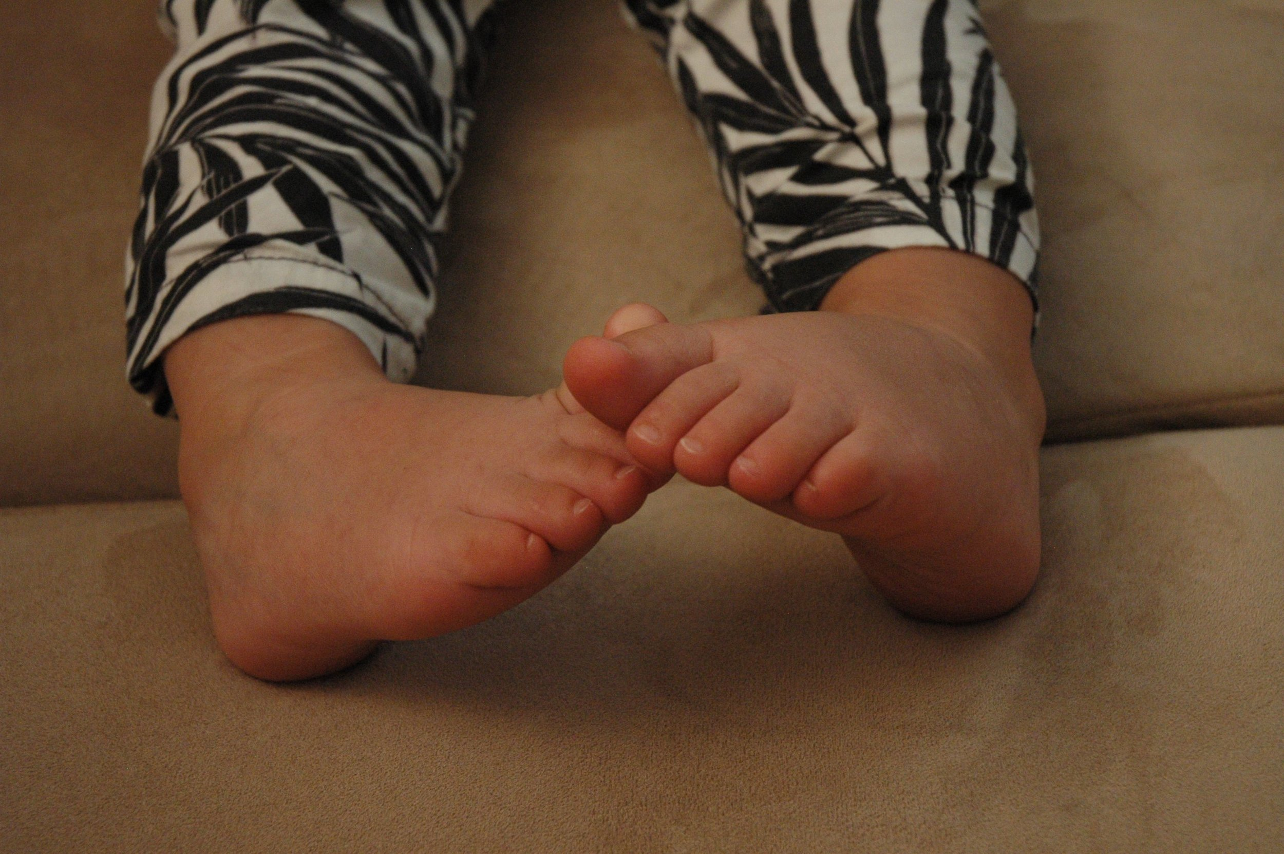 toes.jpg