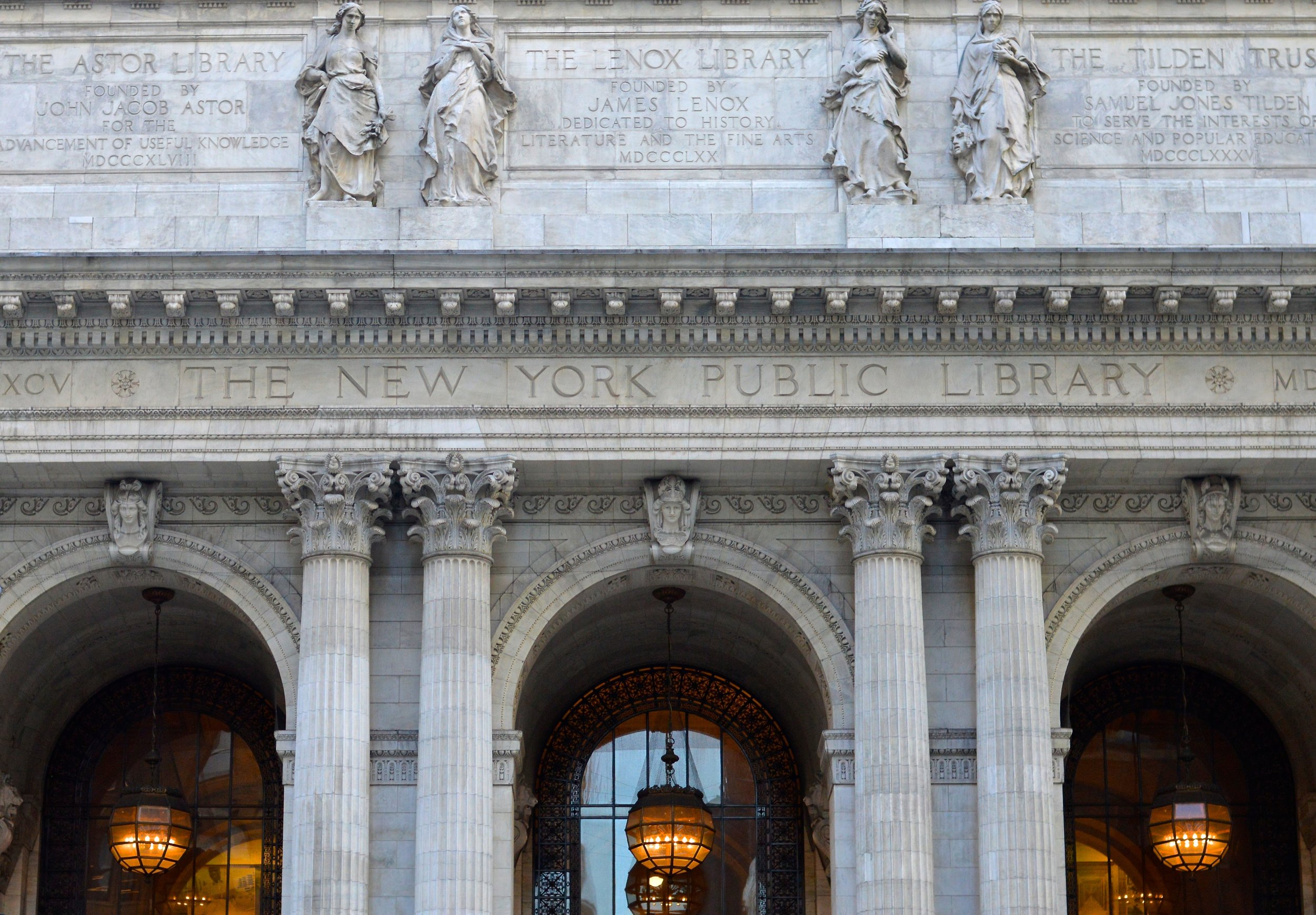 Bryant Park New York Public Library 3.jpg