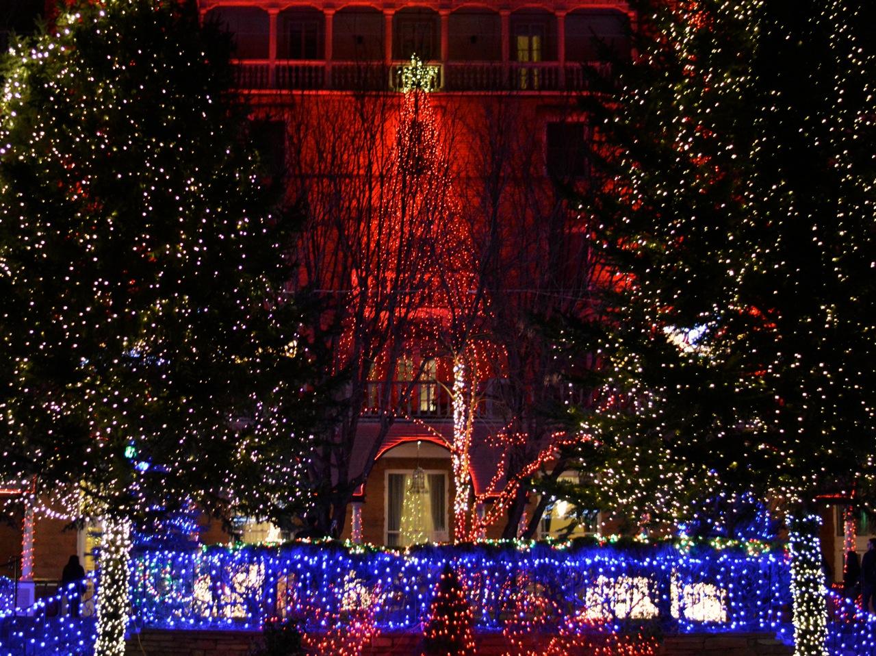 Colorado Hotel Glenwood Springs at Christmastime 33.jpg