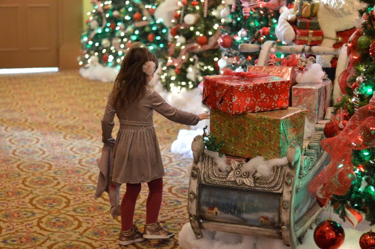 Colorado Hotel Glenwood Springs at Christmastime 45.jpg