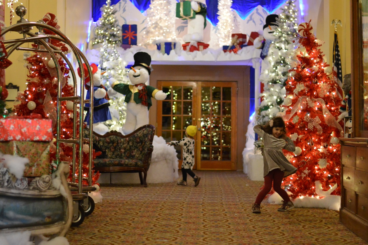 Colorado Hotel Glenwood Springs at Christmastime 50.jpg
