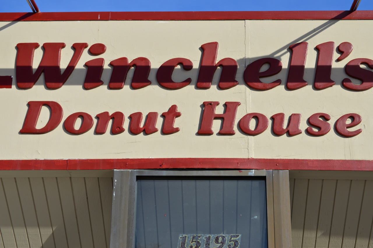 Winchells Donut Aurora 3.jpg