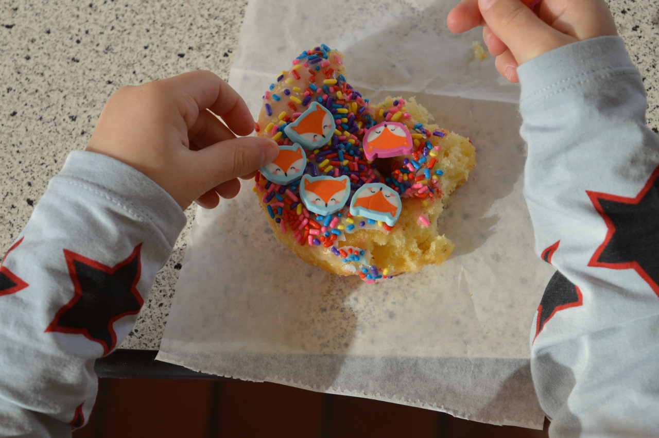 Winchells Donut Aurora 20.jpg