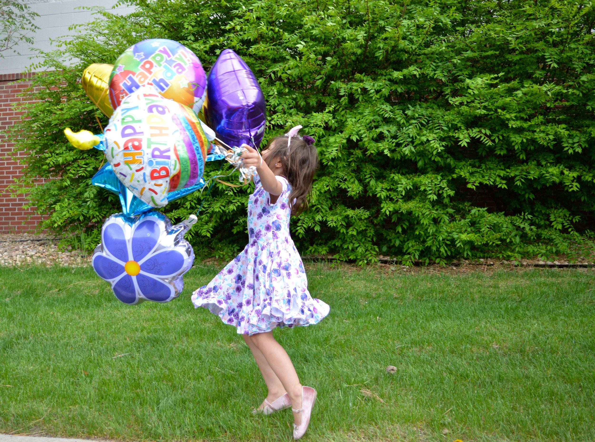 Spider Monkey Birthday Balloons 1.jpg