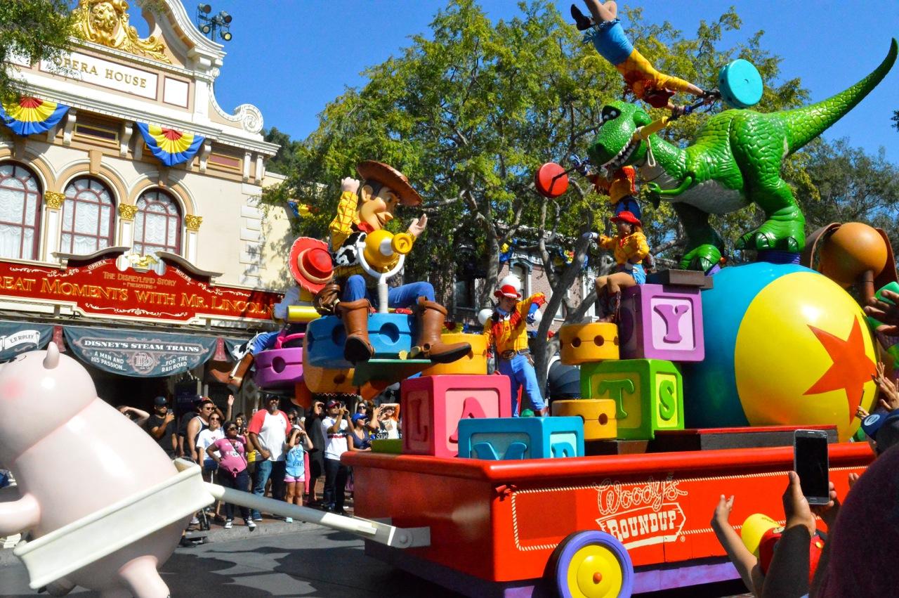 Disneyland California Adventureland with Toddlers July 2018 45.jpg
