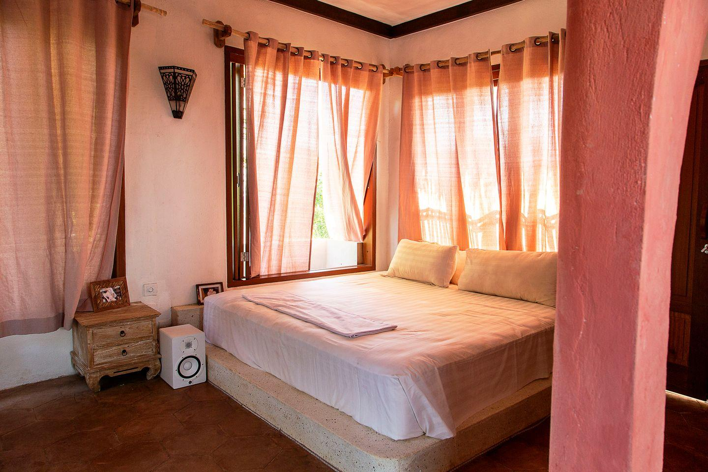 sannyas_room_3.jpeg