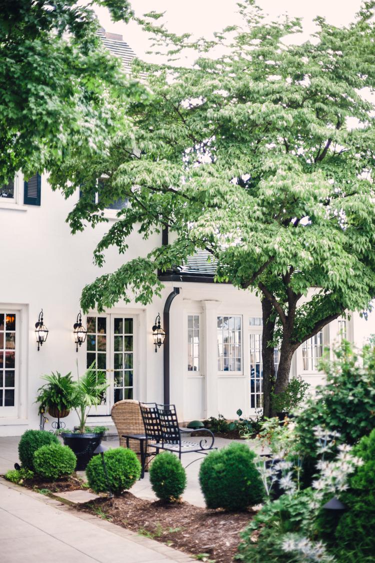SPRING-HOUSE-RESTAURANT-KITCHEN-AND-BAR-WEDDING-2.jpg