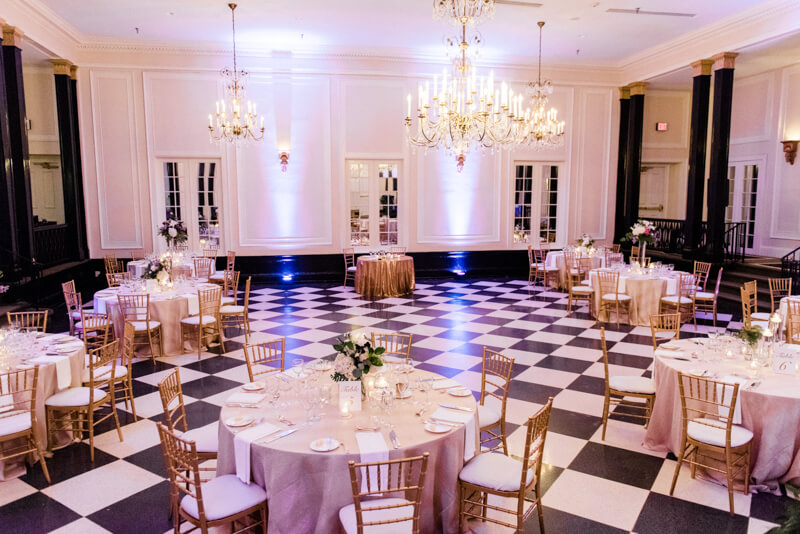Classic-Carolina-Inn-Wedding-10.jpg
