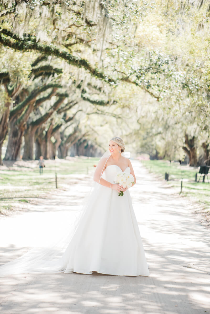 rainy-boone-hall-plantation-wedding.jpg