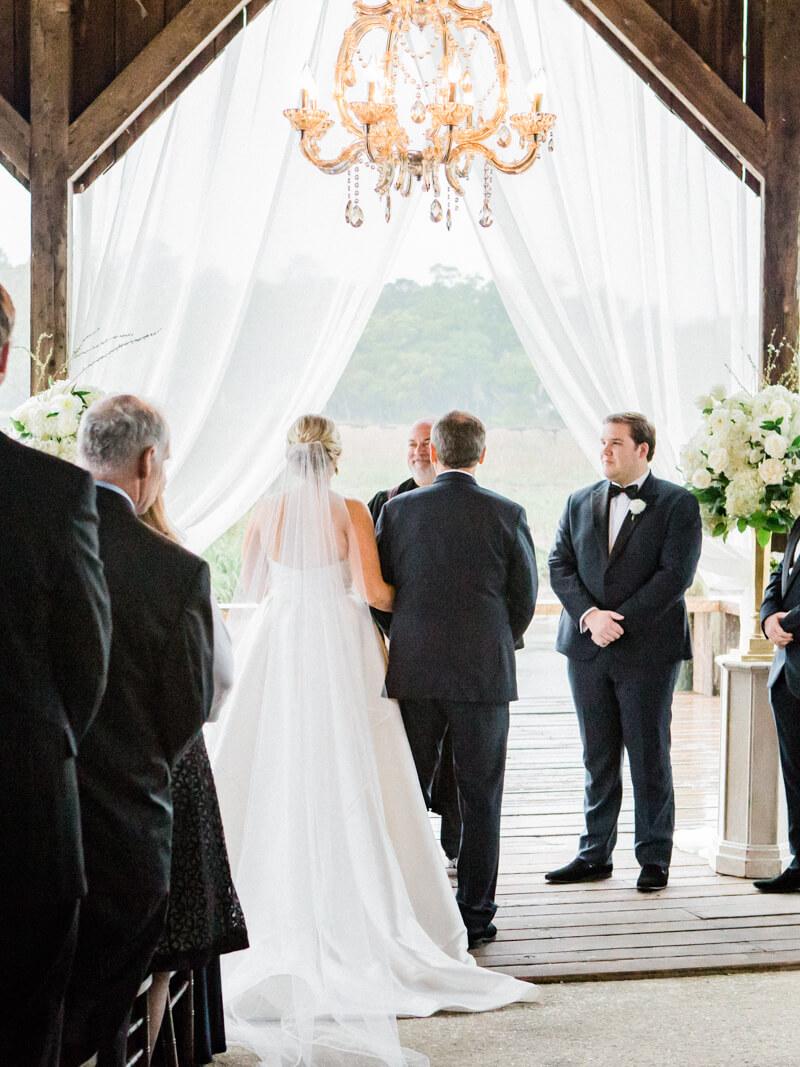rainy-boone-hall-plantation-wedding-12.jpg