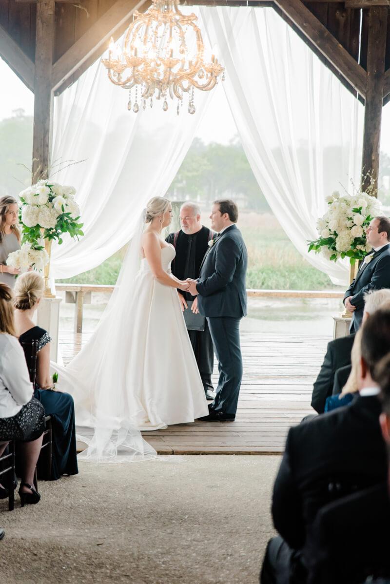rainy-boone-hall-plantation-wedding-13.jpg