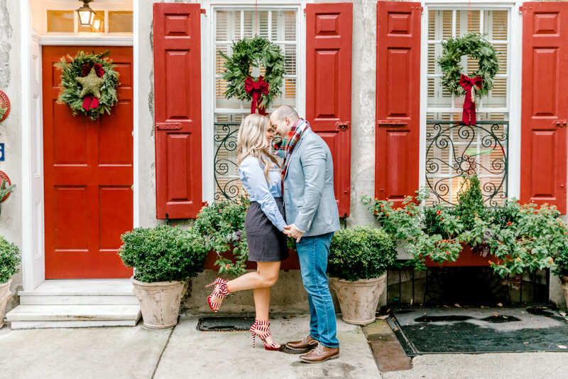 christmas-charleston-engagement-photos-8.jpg