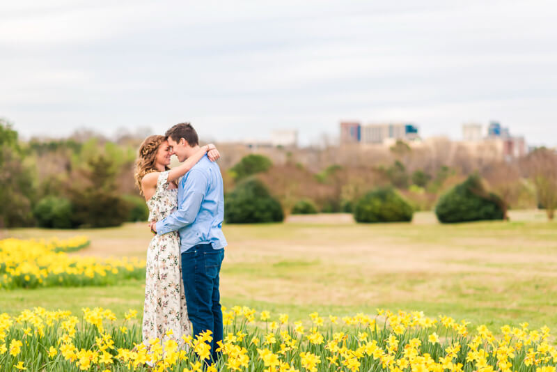 downtown-raleigh-engagement-photos-7.jpg