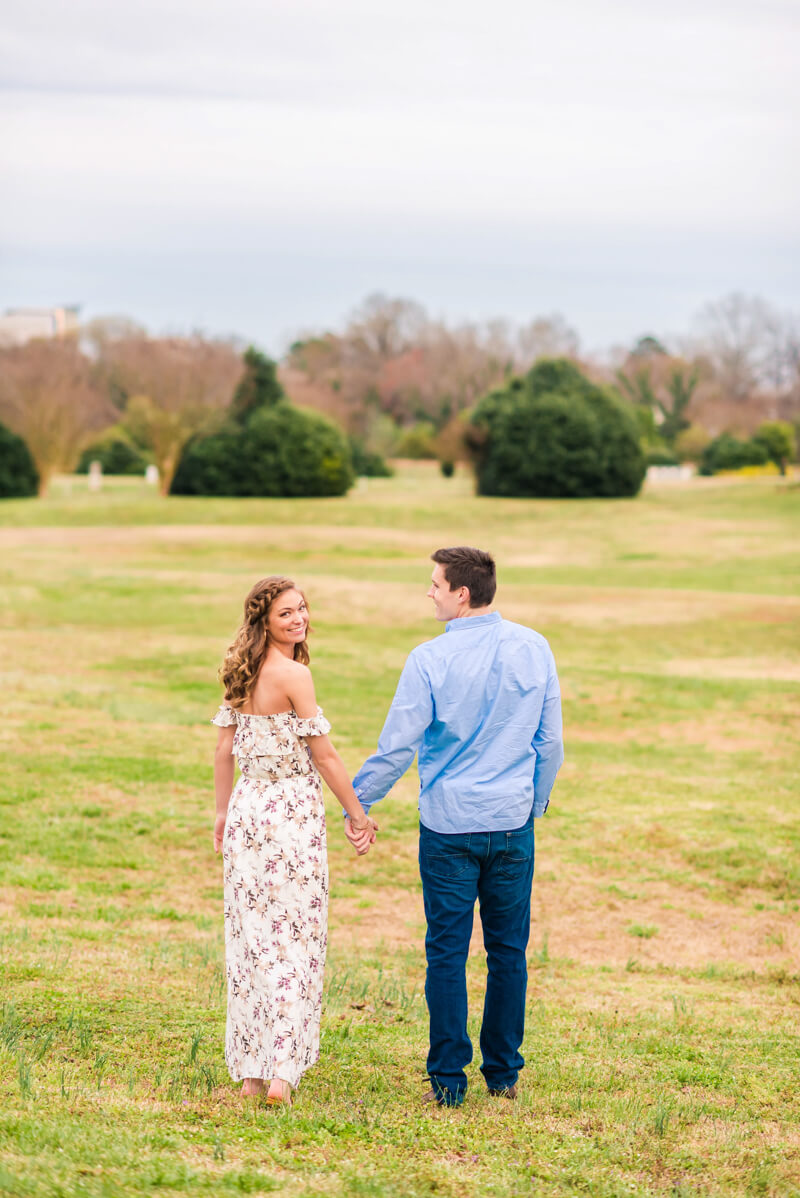 downtown-raleigh-engagement-photos-12.jpg