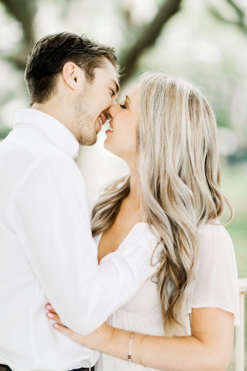 sweet-charleston-engagement-photos.jpg