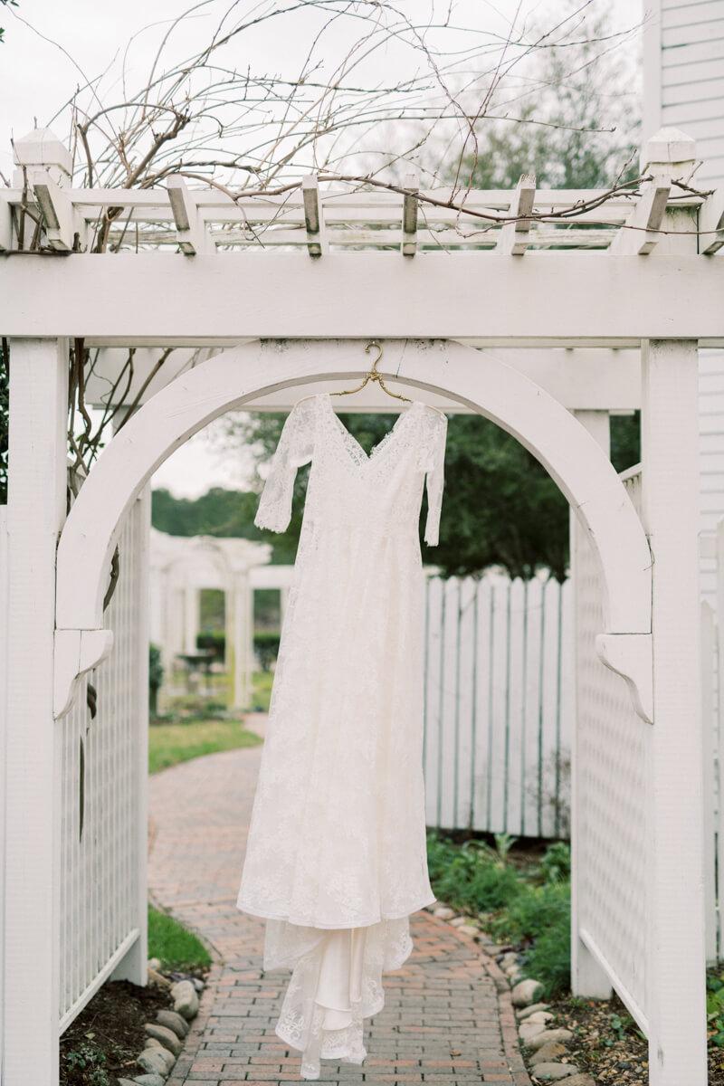 whimsical-winter-nc-wedding-photos-4.jpg