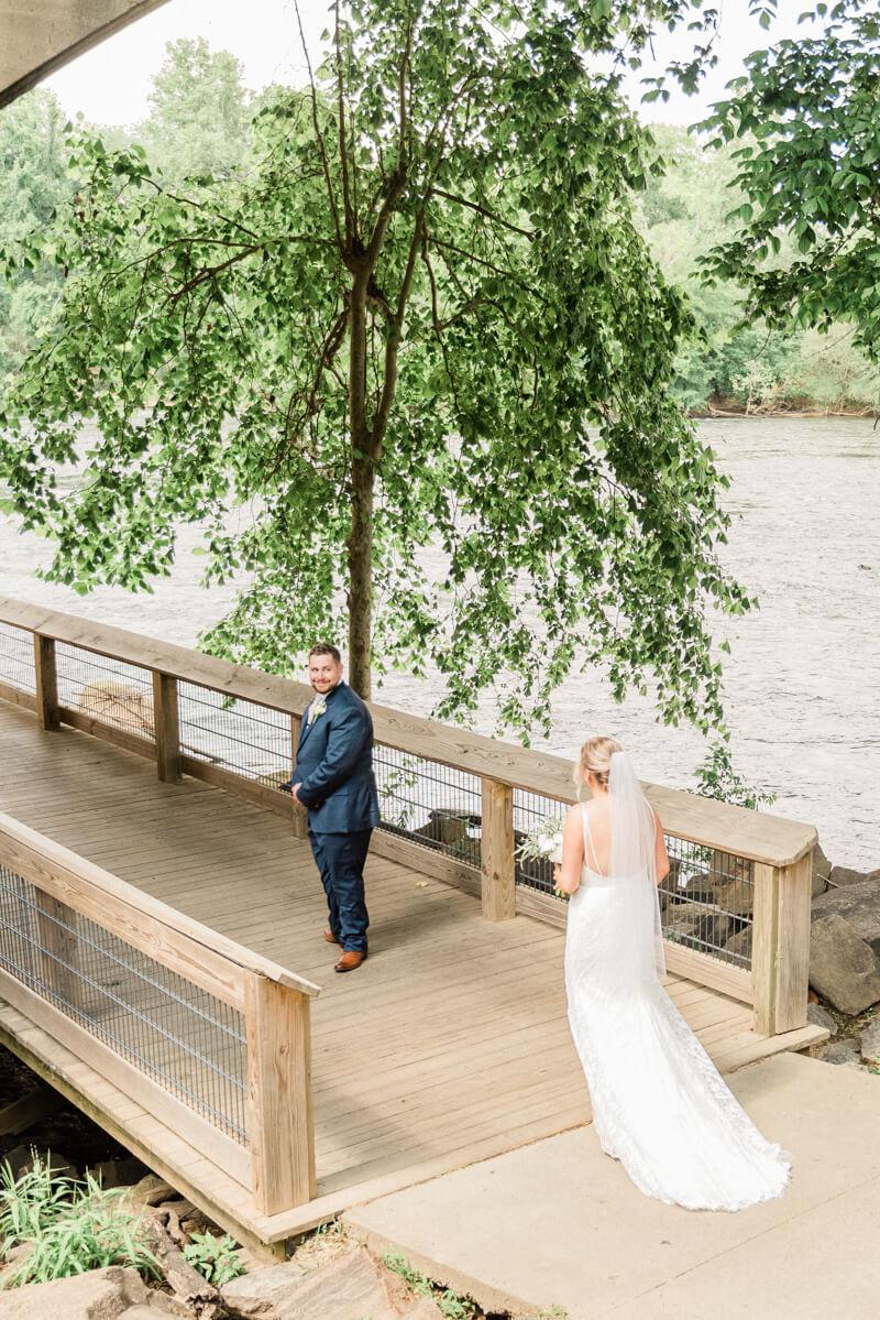 waterside-stone-river-wedding-3.jpg