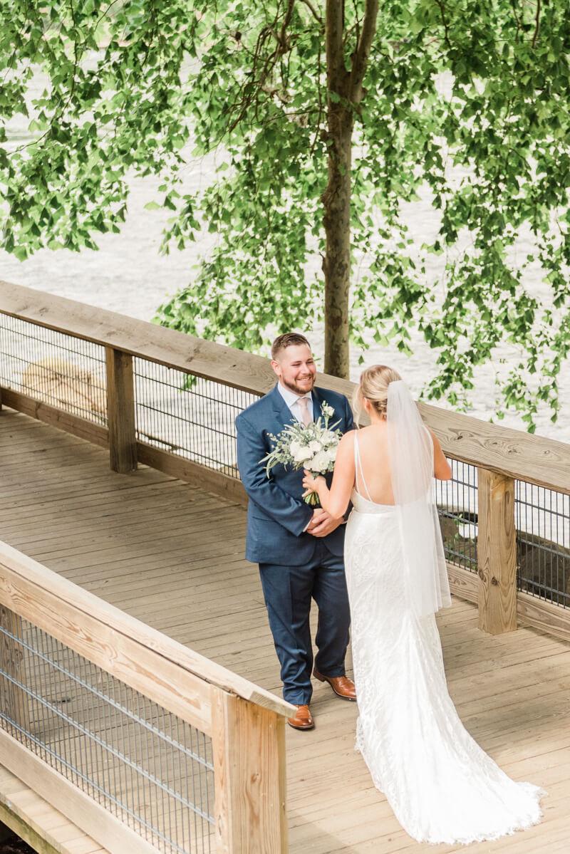 waterside-stone-river-wedding-4.jpg