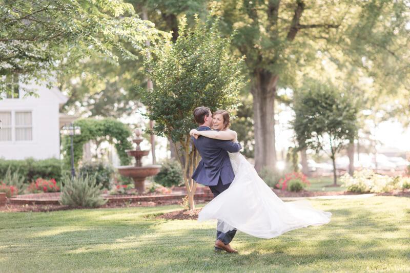 lovely-southern-estate-wedding-carolina-15.jpg