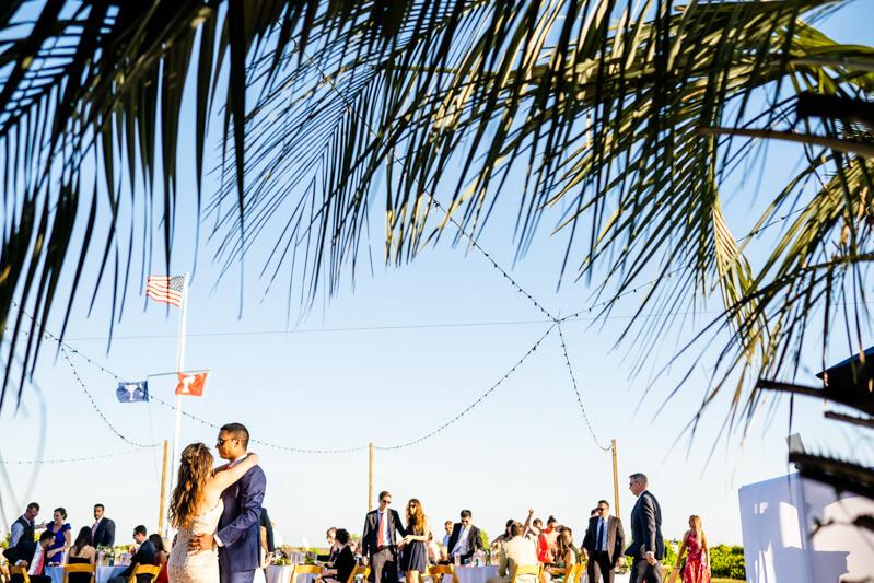 beach-wedding-in-charleston-8.jpg