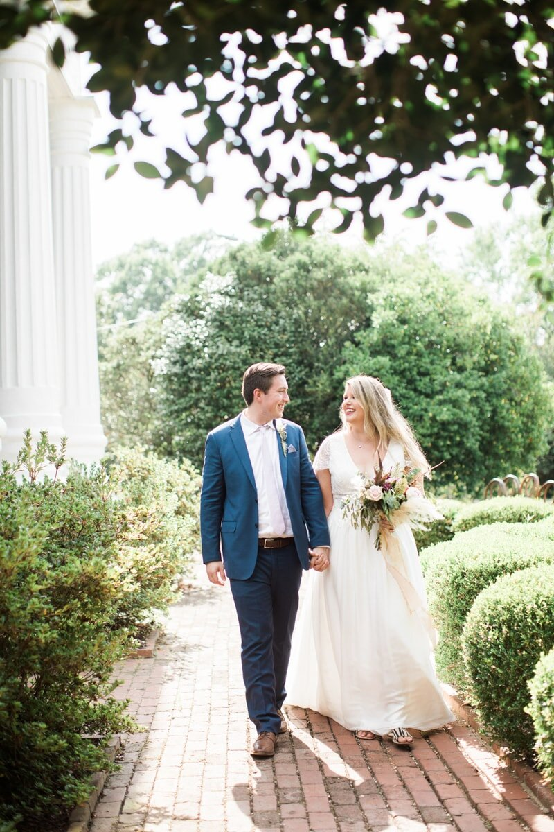 southern-romance-wedding-inspiration-9-min.jpg