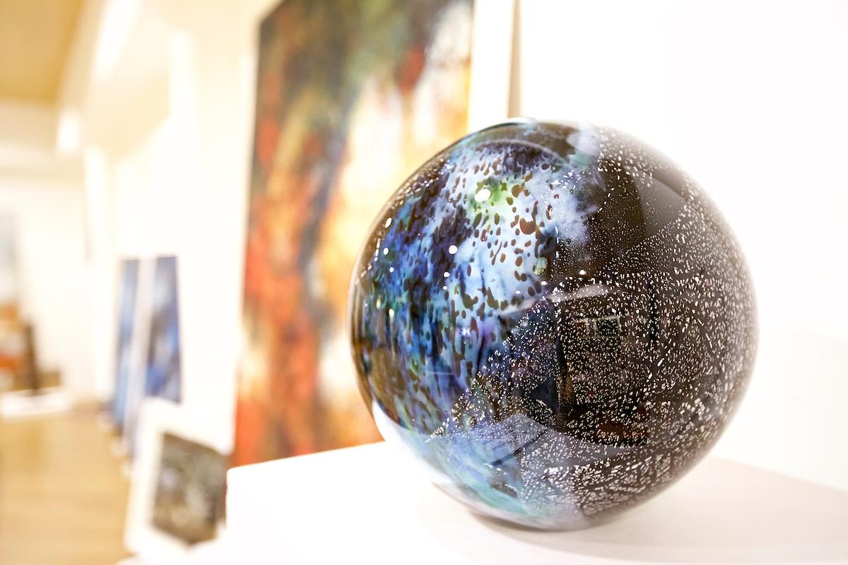 46_Gillian - globe at Cambridge science festival - March 2017.jpg