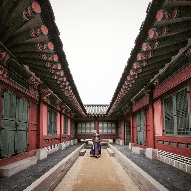 • a lovely soul in seoul •⠀⠀⠀⠀⠀⠀⠀⠀⠀ •⠀⠀⠀⠀⠀⠀⠀⠀⠀ •⠀⠀⠀⠀⠀⠀⠀⠀⠀ •⠀⠀⠀⠀⠀⠀⠀⠀⠀ •⠀⠀⠀⠀⠀⠀⠀⠀⠀ #GalaxyS10+ #WithGalaxy #SamsungSnapshooter ⠀⠀⠀⠀⠀⠀⠀⠀⠀ #SamsungDeutschland @samsungmobile_de #DoWhatYouCant #TeamGalaxy [anzeige | ad] •⠀⠀⠀⠀⠀⠀⠀⠀⠀ •⠀⠀⠀⠀⠀⠀⠀⠀⠀ #korean_adventure #seoul #seoullovers #seoulmate #seoultrip #seoultravel #seoultour #travel_seoul #seoulstyle #seoulgarden #seoulsecret #seoulsearching #seoulstreet #exploreseoul #wheninseoul #mytinyatlas #beautifuldestinations #traveldeeper #wonderfulworld #iamatraveler #travelawesome #exploretocreate #thehappynow
