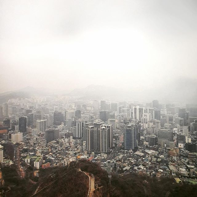 • smog and the city •⠀⠀⠀⠀⠀⠀⠀⠀⠀ •⠀⠀⠀⠀⠀⠀⠀⠀⠀ •⠀⠀⠀⠀⠀⠀⠀⠀⠀ •⠀⠀⠀⠀⠀⠀⠀⠀⠀ •⠀⠀⠀⠀⠀⠀⠀⠀⠀ •⠀⠀⠀⠀⠀⠀⠀⠀⠀ #korean_adventure #seoul #seoullovers #seoulmate #seoultrip #seoultravel #seoultour #travel_seoul #seoulstyle #seoulgarden #seoulsecret #outthere #seoulsearching #seoulstreet #exploreseoul #wheninseoul #mytinyatlas #beautifuldestinations #traveldeeper #wonderfulworld #iamatraveler #travelawesome #exploretocreate #thehappynow #GalaxyS10+ #WithGalaxy #SamsungSnapshooter ⠀⠀⠀⠀⠀⠀⠀⠀⠀ #SamsungDeutschland #TeamGalaxy