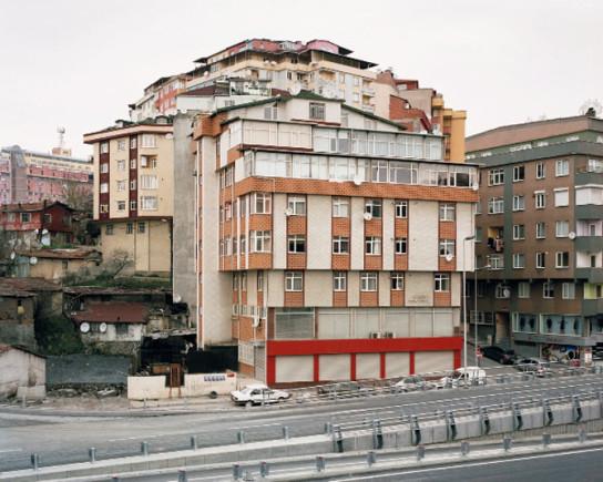 princen-04-former-gecekondu-hillside-istanbul